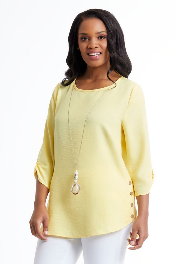 BUTTON DETAIL TOP WITH NECKLACE