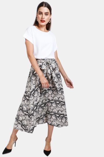 a2ead95e5d5cc Ladies Skirts | Pencil, Skaters & Denim | MRP Clothing