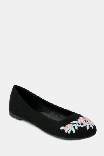 Embroidered Pump
