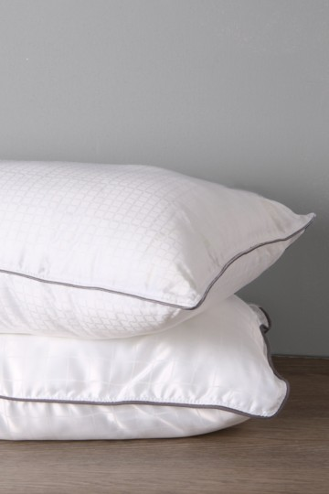 Feather- Like Luxury Soft Touch Standard Pillow
