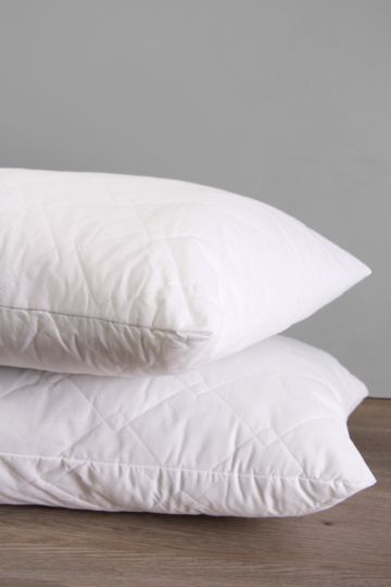 Quilted Ball Fibre Standard Pillow