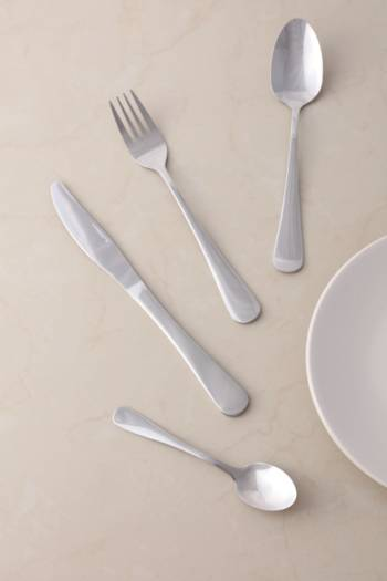 16 Piece Essential Cutlery Set