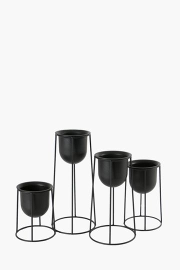 Pack Of 4 Wire Metal Stand Planters Small