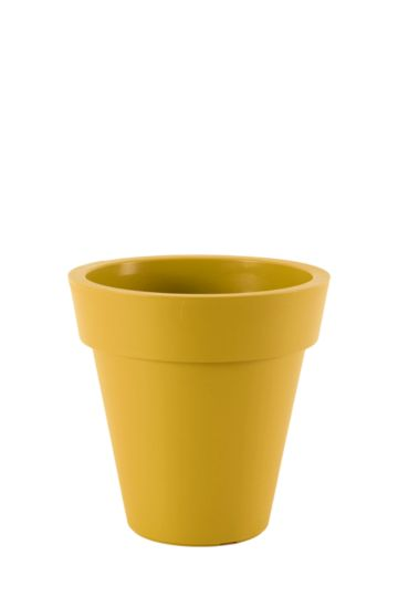 Lipped Plastic Planter