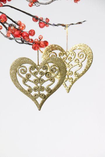 2 Hanging Hearts