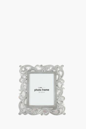 Carved Scroll Frame, 20x25cm