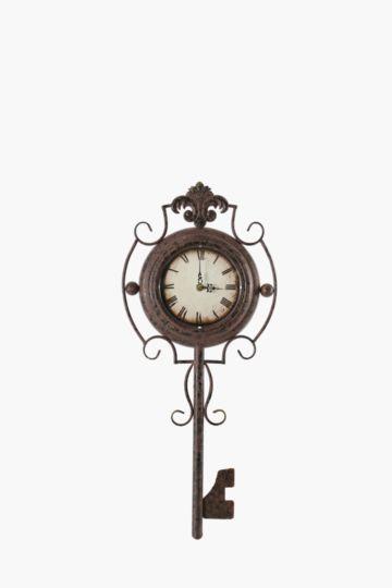 Vintage Rust Key Clock